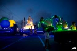هنرمندان اسرائیلی در حال تمرین برای مراسم استقلال اسرائیل