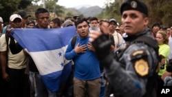 2020年1月16日在危地馬拉的洪都拉斯避難者人群。