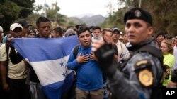 Arşîv: Karwanê Koçberan li Guatemala
