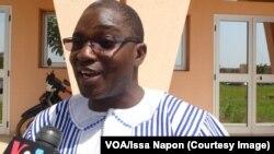 Daouda Simboro, un des députés frondeurs de l'Union pour le Progrès et le Changement (UPC), à Ouagadougou, Burkina, 10 octobre 2017. (VOA/Issa Napon)