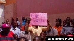 Professores em greve em Malanje
