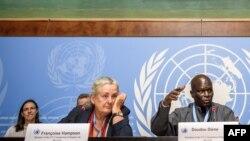 Francoise Hampson na Doudou Diène bari mu batswe uburenganzira bwo guhonyoza ikirenge mu Burundi. Aha bariko bashikiriza Icegeranyo cabo