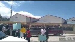 Polis Nasyonal la ann Ayiti arete 2 pami moun ki t ap pwoteste devan anbasad ameriken an kont sipò Etazini ap bay prezidan Jovenel Moise
