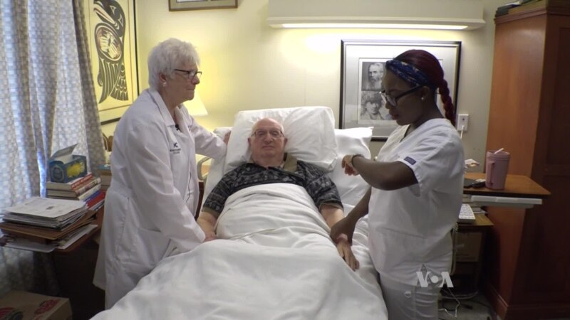 Nurse Assistant Program Gives Students Hands-on Training