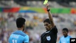 L'arbitre Fahad al-Mirdasi à Belo Horizonte, au Brésil, le 10 août 2016.