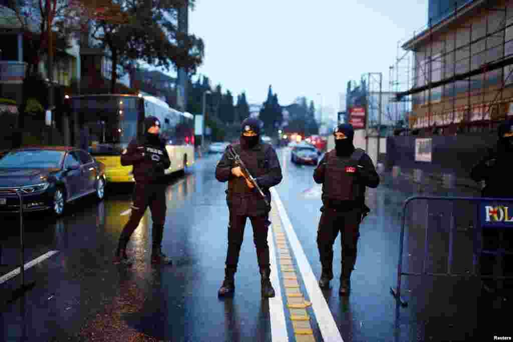 Police secure the area near an Istanbul nightclub, following a gun attack, in Turkey, Jan. 1, 2017.