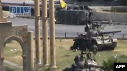تلویزیون دولتی سوریه تصاویری از حضور ارتش دولتی این کشور در دژ تاریخی پالمیرا مخابره کرده است.