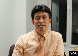 韩国建国大学经济系教授崔培根(VOA葛静怡拍摄)