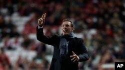 Pelatih PSG Laurent Blanc