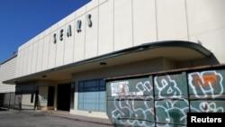 A shuttered Sears store in Santa Monica, California, October 15, 2018.