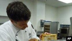 โรงแรมในสหรัฐเลี้ยงผึ้งเองเพื่อผลิตน้ำผึ้งธรรมชาติไว้ใช้ในกิจการอาหารและเครื่องดื่ม