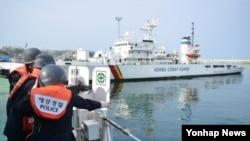 지난 6일 실시한 한국 동해해경 해상종합훈련에서 전용부두 정박된 경비정 모습. (자료사진)