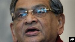Indian Foreign Minister S.M. Krishna speaks during a press conference in Kabul, 09 Jan 2011