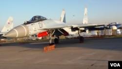 2015年8月莫斯科航展上的苏-35战机(美国之音白桦)。