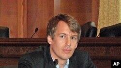华盛顿大学法学教授 卡尔.明兹纳尔