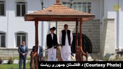 صدراعظم پاکستان امروز جمعه برای دیدار با مقامهای افغان به کابل رسیده است.