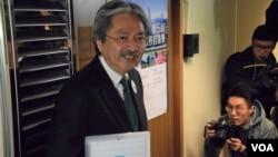 香港特首選舉參選人曾俊華 (美國之音湯惠芸拍攝)