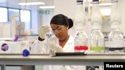 Laboratorio antidopaje de los Juegos Olímpicos de Londres 2012. Aquí se analizarán unas 6250 muestras durante los juegos.