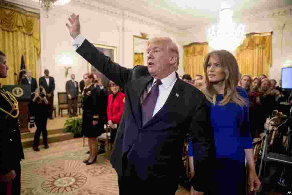 پرزیدنت ترامپ و بانوی اول در مراسم اهدای «مدال آزادی» در کاخ سفید.
