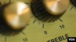 Las emisoras tuvieron que detener sus transmisiones ante el temor de que el gobierno les decomise el equipo radial.