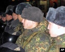 俄罗斯警察和内务部队士兵