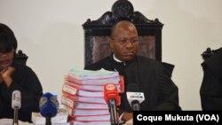 Juiz na 1ª Sessão do julgamento dos activistas no Tribunal Provincial de Luanda, em Benfica. Angola, 16 Nov. 2015