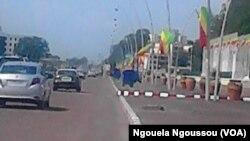 Boulevard Alfred Raoul à Brazzaville, Congo, 15 avril 2016 (VOA/Ngouela Ngoussou)