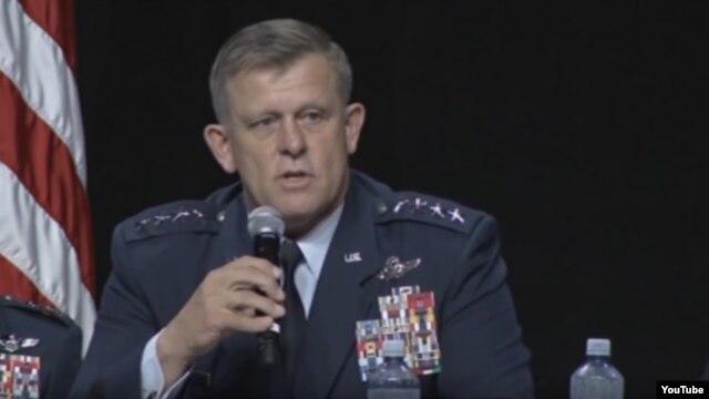 Командующий операциями ВВС США в Европе и Африке генерал Фрэнк Горенц