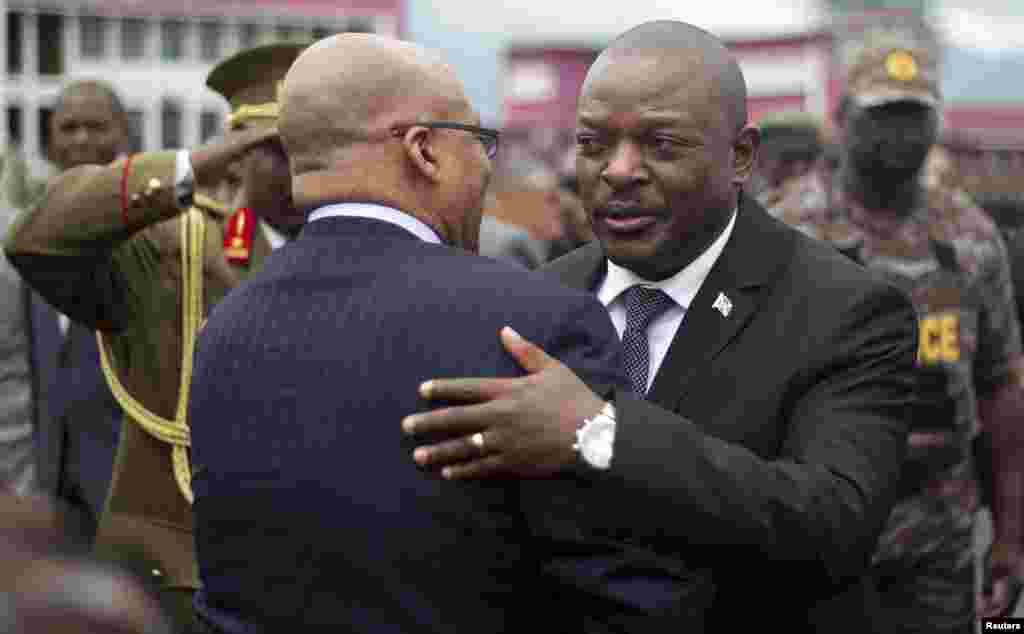 MARDI.Un journaliste libéré après deux jours de détention au Burundi.Un journaliste burundais, arrêté par la police dimanche dans la province de Cibitoke puis remis aux services secrets qui dépendent de la présidence, a été relâché. Lire la suite ici.