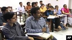 جامعات میں 'انکیوبیشن سینٹرز'' کے قیام کا منصوبہ