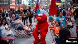 El objetivo de la medida es propiciar el orden y evitar cualquier comportamiento violento en la popular plaza neoyorquina.