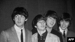 Beatles qrupu, (soldan) Pol Makkartni Rinqo Starr, Con Lennon və Corc Hərrison, 1963-cü il