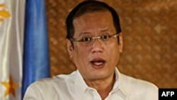 Tổng thống Aquino nói chính phủ ông sẵn sàng mua thêm vũ khí và đưa vấn đề chủ quyền ra trước một tòa án của Liên Hiệp Quốc