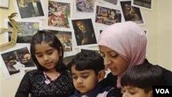 Memperkenalkan puasa Ramadhan pada anak-anak dibutuhkan kesabaran dan ketekunan.