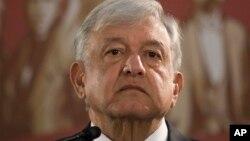 墨西哥总统洛佩斯·奥夫拉多尔(Lopez Obrador)建议美国和加拿大与墨西哥一道促进中美洲经济发展,从根本上解决移民问题