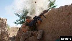 Hilmand, Afg'oniston. 11-sentabr xurujidan keyin Amerika askarlari soni 570 mingga oshgan edi. Endi 440-450 mingga tushadi.