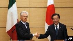 O Ιταλός Πρωθυπουργός Μάριο Μόντι με τον Ιάπωνα ομόλογό του Γιοσιχίκο Νόντα