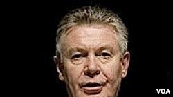"""Karel De Gucht dijo que la UE quiere """"fortalecer"""" la cooperación con Cuba."""