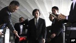 Đại sứ Nhật Bản tại Nam Triều Tiên Masatoshi Muto tại sân bay Gimpo ở Seoul