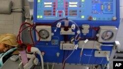 Thiết bị sử dụng trong quy trình lọc máu bằng máy chạy thận nhân tạo.