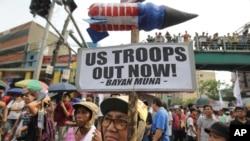 Biểu tình phản đối Hiệp định Hợp tác Quốc phòng Mỹ-Philippines tại Manila, ngày 27/4/2014.
