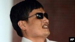 El activista chino Chen Guangcheng reclama investigar el acoso contra su familia en China.