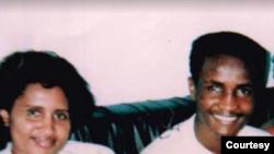Mama yake Diallo na mwanawe