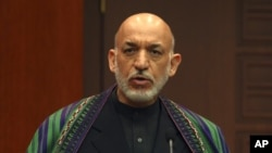 阿富汗總統卡爾扎伊將於下週一在華盛頓與奧巴馬會晤虎謀。(資料圖片)