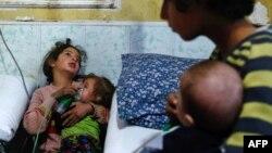 Anak-anak ikut menjadi korban serangan senjata kimia di Douma, Ghouta timur, Suriah (foto: dok).