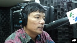 """Sia Phearum, executive-director of Housing Rights Task Force in Cambodia on """"Hello VOA"""" Thursday."""