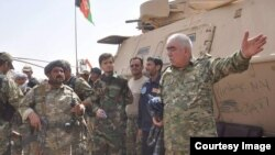 جنرال دوستم په دې وروستیو کې د بهرنیو او افغان ځواکونو له مشرانو سره لیده کاته زیات کړي
