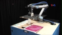 'Mẹ' robot tự tạo 'con' riêng
