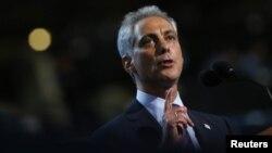 El alcalde Rahm Emanuel señaló que un control más riguroso en la venta de armas es vital para la seguridad pública.