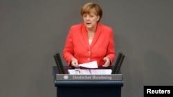 德国总理默克尔在德国议会发表讲话(2015年7月17日)